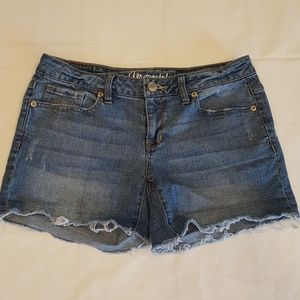 Aeropostale Midi size 4 denim Cut off shorts